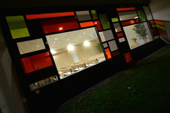 vue extérieure du crematorium de l'auxois morvan à semur en auxois entre dijon et auxerre